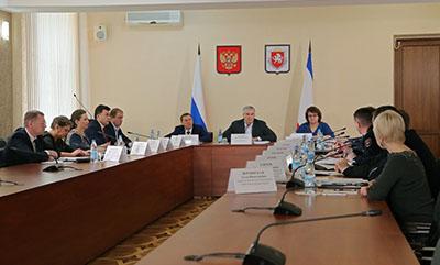 Антон Лясковский: С медицинского наблюдения по коронавирусу в Крыму снято более 400 человек